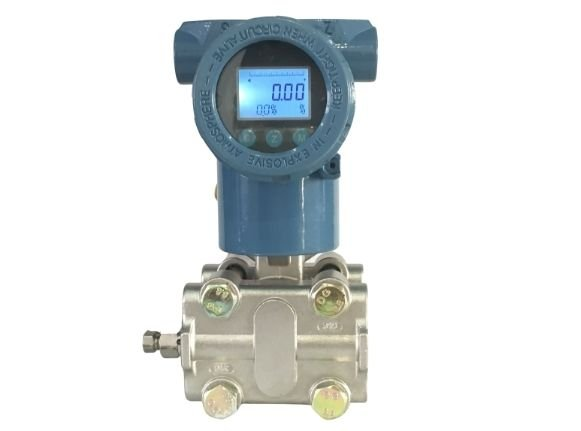 Smart differential pressure transmitter