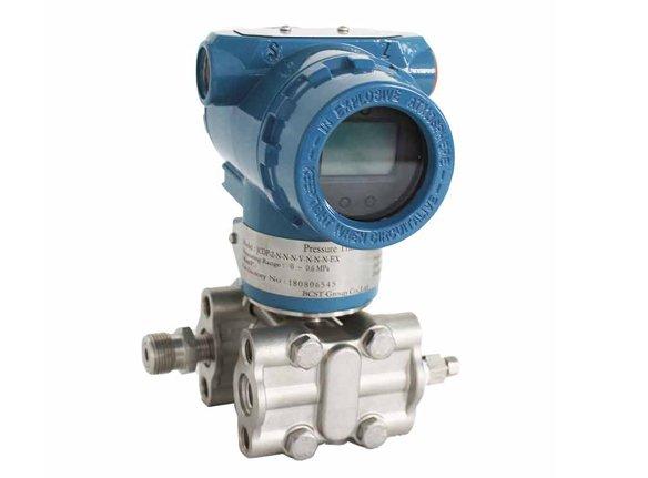 differential-pressure-transmitter-pressure calibrator
