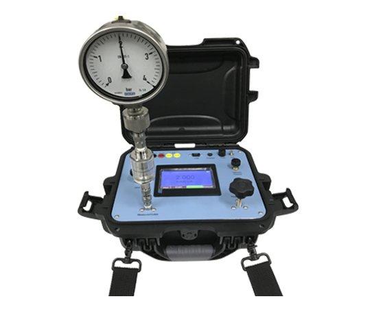 figure 10 portable pressure calibrator with electric pressure pump